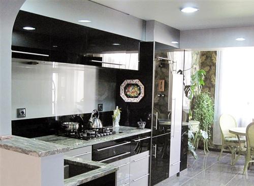 Création d'un meuble cuisine sur mesure par Dessevres Gandemer 85220 COMMEQUIERS